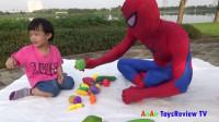 蜘蛛侠和小朋友
