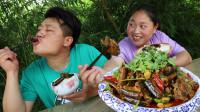 老公水果园忙半天,胖妹买150元黄鳝,3斤红烧做犒劳,2人吃过瘾