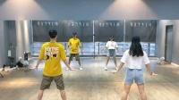 霸屏的舞蹈《乘风破浪的姐姐》全网都在跳,背面教学演示。