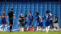 英超-切尔西2-1胜10人曼城,利物浦提前7轮夺冠