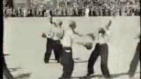 1930年湖南国术馆学员与军人表演