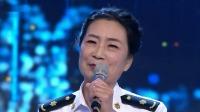 女海军们在现场演唱了一首《我爱这蓝色的海洋》