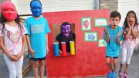 太奇怪,萌娃小萝莉怎么戴上彩色的面具?是自动售卖机的魔法吗?儿童启蒙早教益智趣味游戏玩具故事