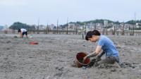 巨浪后烂泥滩搁浅一滩好货,猪猪当场抓爆桶,事后却发生意外情况