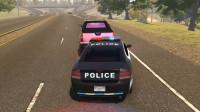 警察模拟:皮卡在高速公路上紧急停车造成警车追尾
