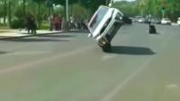 新手女司机为躲避障碍物,要不是监控拍下不敢相信有这技术!