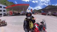 川藏线上骑摩托车加油,被工作人员赶了出来,你们一定要注意