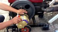 牛人发明:单缸柴油机变速皮带轮,大爷的手扶拖拉机安装有效果吗!