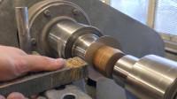 简单的做个旋压,有意思的生产工艺,转起来压一下变成想要的形状