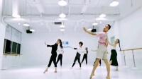 超喜欢这只舞蹈《愿得一心人》,程老师这支舞编的很适合抒发情感,解压放松。