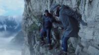 女子空难逃生后,被困在百米峭壁上,她低头一看吓到了