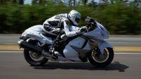 有史以来、最完整的 摩托车极速之争视频、事实是H2没有跑过铃木隼