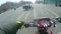 行车记录仪:机车摩托,就是骑个摩托车,用不着这么大阵仗吧