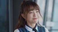 韩晓婷在老师开导下决定重回校园,一场意外让她再度陷入绝望