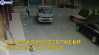 男童蹲在路上看蚂蚁 遭遇货车盲区被碾压