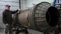 涡轮喷气发动机上的可变喷嘴,像变形金刚一样的装置