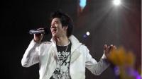 王力宏《龙的传人》,现场开唱嗨翻全场,电吉他弹得实在太精彩!