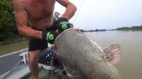 200斤的大鲶鱼,钓上来真是费不少劲,锅都准备好了你却放了?