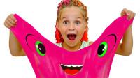 超好玩,萌娃小萝莉怎么和妹妹一起玩史莱姆和惊喜蛋?可是为何哭了呢?