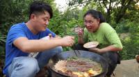 胖妹涮火锅,4斤羊杂外加5个配菜,香辣够味,好吃到停不下来