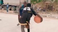 篮球少年秀翻野球场,是我见过打篮球最飘逸,最舒展的孩子