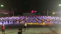 毛纺厂姐妹们参加88全民健身操活动表演。