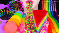 彩虹色零食太流行,可食用按摩梳独具创意,难道就不怕扎嘴