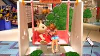 国外儿童时尚,小女孩和爸爸一起趣玩,仿佛步入了童话世界