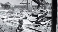 两张老照片诠释战争后的中日两国对比,战争有罪,孩童无辜