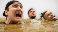 老外作死挑战:谁在流沙中待得最久,就可获得10000美元!