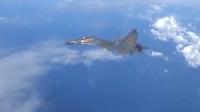 """解放军空军航空兵空中处置""""特情""""!飞行员双语喊话驱离""""外机"""""""
