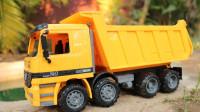 挖掘机视频486大卡车运输挖土机+挖机工作+工程车