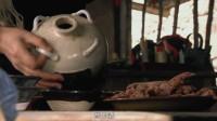武松路过景阳冈,又喝酒又吃肉,结果店小二就给他倒三碗酒
