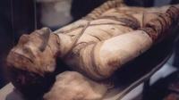西伯利亚出土900年女木乃伊,头发眼睫毛依然完好