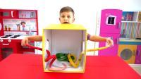 萌娃小可爱的神秘箱挑战找钥匙,萌娃:这个游戏我很厉害的!