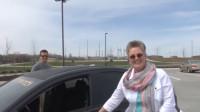 老奶奶飙车到225千米,一个老人在路上飙车?太不安全了!
