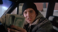 真实事件改编,捡到100万之后,他迷上了撒钱