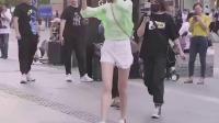 #杭州#街拍#人民海军70年果然男生都喜欢瘦瘦高高的女生啊