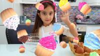萌娃小可爱在家自己制作美味的纸托蛋糕