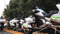 柳州交警132万采购3辆进口摩托,供应商:高配的要60万一台