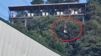 重庆景区工作人员高空索道坠亡:已连续3年发生事故 停运全部速滑项目