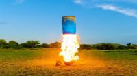 汽油在液氮里爆炸威力有多大?老外冒险一试,结果意想不到