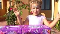国外儿童时尚,小萝莉的6岁生日惊喜,真顽皮