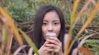 韩国人性电影《蚯蚓》,女孩躲进草丛,发现了同学大秘密