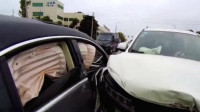 男子刚考完科目一就开车上路,结果悲剧了!