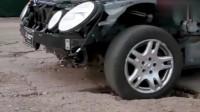 汽车过坑不踩刹车有多危险?让这台奔驰测试来告诉你,吓呆了