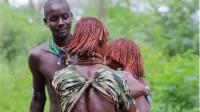 非洲最残忍的求爱,女人为了追求到心爱的男子,只能忍痛享受