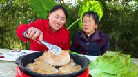 胖妹腌脆萝卜当小菜,中午做香煎鸡排来解馋,76岁奶奶赞不绝口
