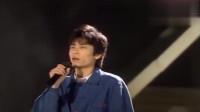 王杰现场演唱《她的背影》