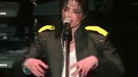 迈克尔杰克逊也太善良了,连演唱会上的虫子都不忍杀害!